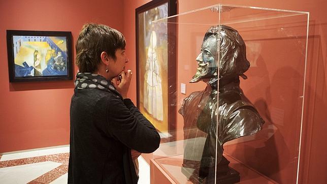 La muestra incluye una decena de pinturas y un busto de Velázquez