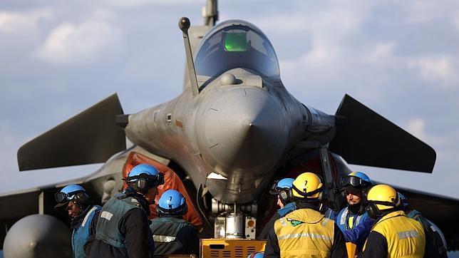 El portaaviones «Charles de Gaulle» entra en guerra contra el yihadismo en Irak