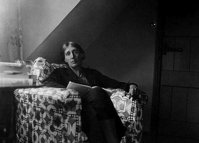 Virginia Woolf, fotografiada por su marido Leonard en Monk's House en 1932