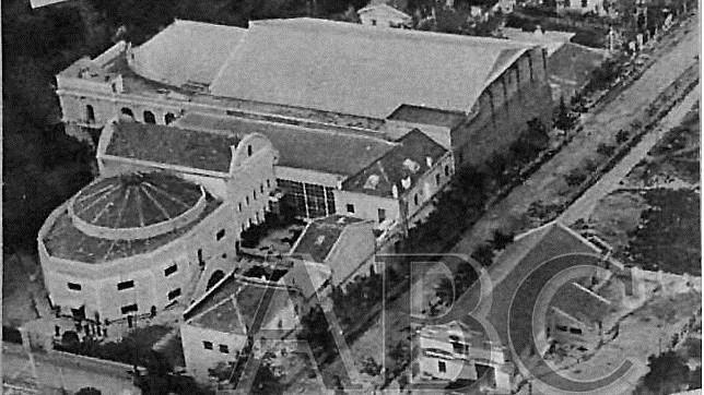 Vista aérea de los Estudios Cinematografía Española Americana (CEA) de Ciudad Lineal en ABC