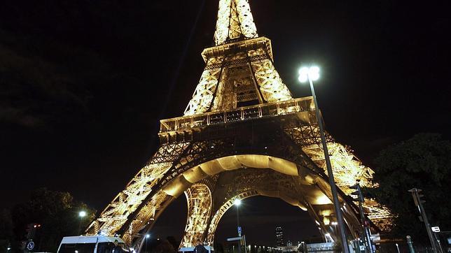 La Torre Eiffel instalará dos nuevos aerogeneradores