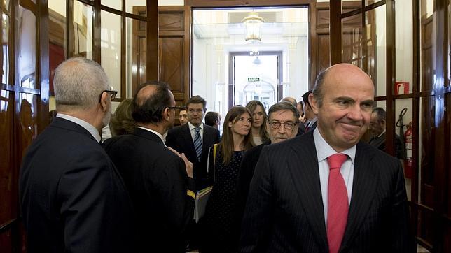 Guindos descarta su continuidad como ministro o diputado tras las generales
