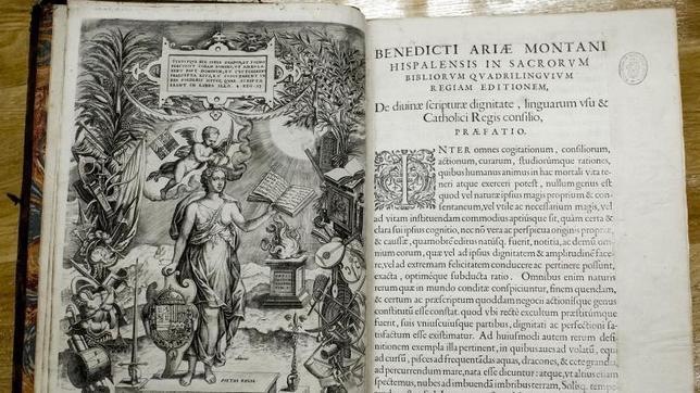 La Biblia regia del XVI que se custodia en el Ministerio de Justicia