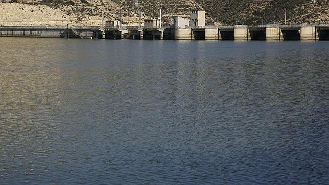 Presa de Mequinenza, el gran seguro hidráulico de Cataluña frente a las crecidas del Ebro