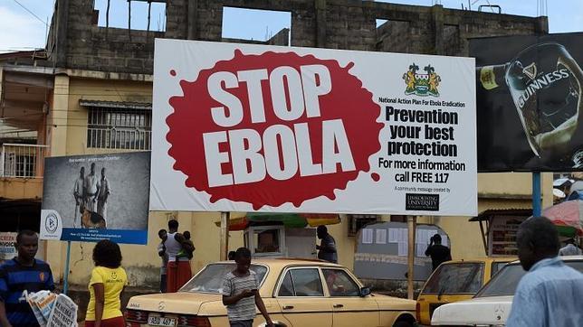 Mensajes para alertar contra el ébola en Sierra Leona - afp abc - 03