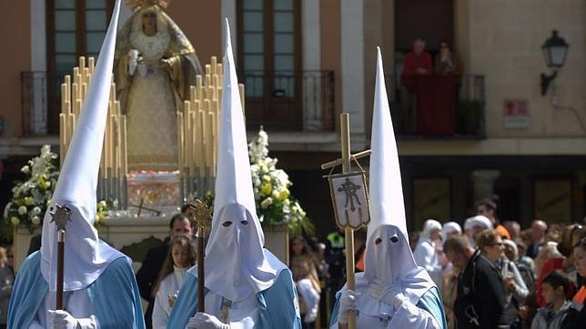 Procesión de Nuestra Señora de la Salud y Nuestro Padre Jesus resucitado en Alcalá de Henares (Madrid)