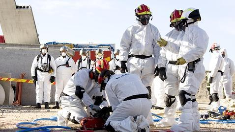La UME, lista para el mayor simulacro de explosión petroquímica en España