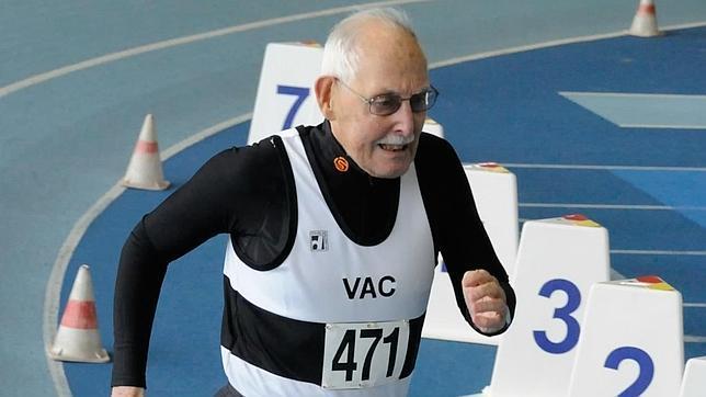 El hombre de 95 años que ha batido el récord mundial de los 200 metros
