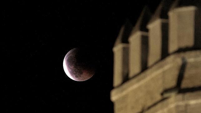 La Luna se aleja cada vez más de nuestro planeta debido a causas naturales