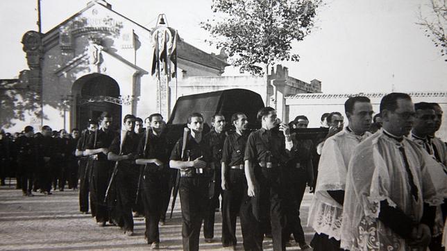 Traslado del cuerpo de José Antonio Primo de Rivera