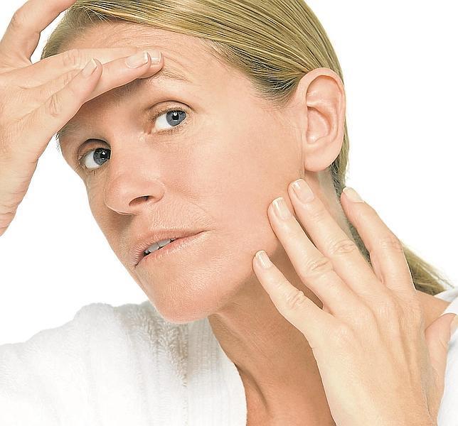 Gimnasia facial, aparatos con ultrasonidos o rodillos de madera de cedro mejoran el aspecto del rostro