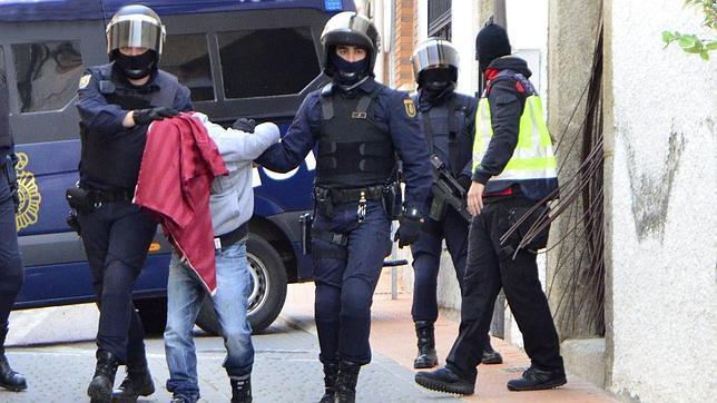 El jefe yihadista detenido en Cebreros incitaba al odio a su hijo de dos años