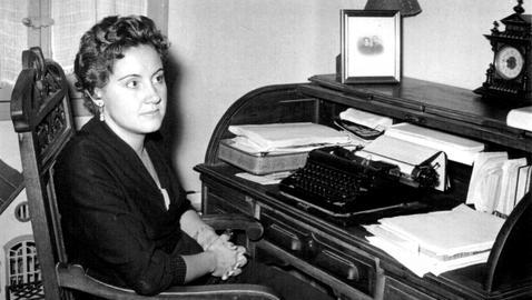 En el año 1950, Luisa Alberca fue finalista del Premio Nadal con la obra Patricia Rilton, siendo seleccionada para el mismo galardón en otras ocasiones