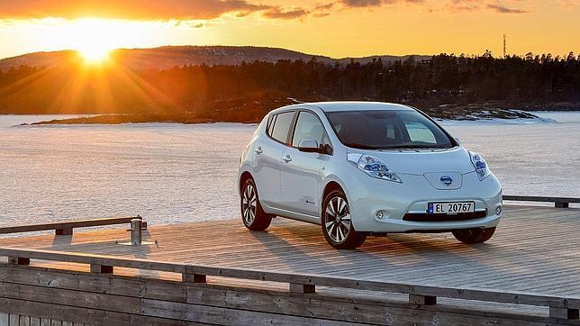 La mayoría de propietarios de eléctricos como el Nissan Leaf repetiría y lo recomendaría como compra.