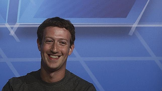 Facebook aprueba el envío de dinero a través de su Messenger