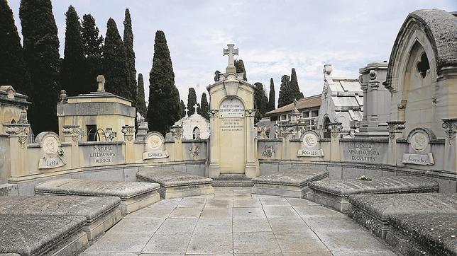 El panteón de Hombres Ilustres de la Sacramental de San Justo acoge a genios del Romanticismo como Larra o Espronceda