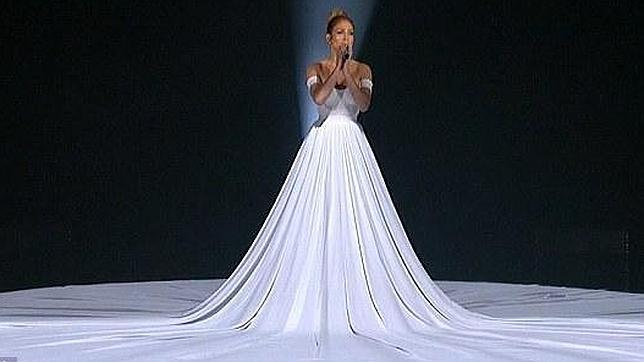 2160701a0 El espectacular vestido de princesa de Jennifer López en «American Idol»