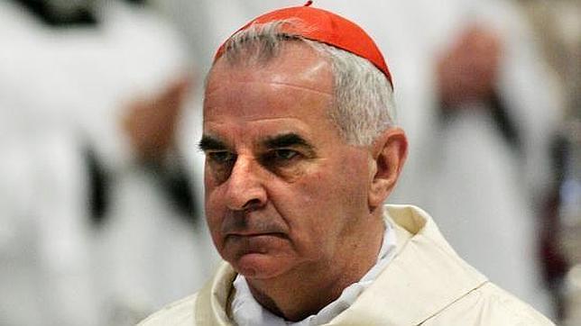 El cardenal británico O'Brien durante una misa en la plaza de San Pedro en el Vaticano en 2005
