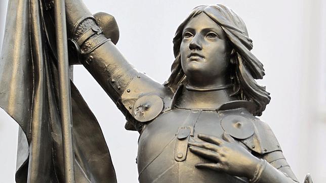 Una estatua de Juana de Arco en Nanterres