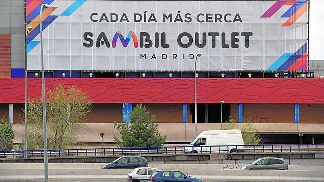 Los due os del centro comercial m 40 buscan a for Centro comercial sol madrid