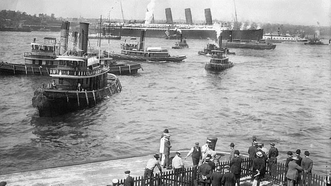El Lusitania llegando al puerto de Nueva York