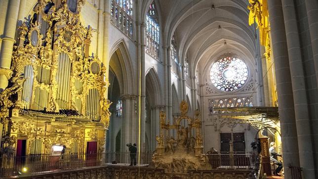 La matraca de la catedral resonar en toledo tras cien a os de silencio - Catedral de sevilla interior ...