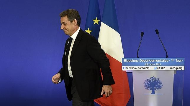 Sarkozy en la sede de la UMP tras los primeros resultados del domingo