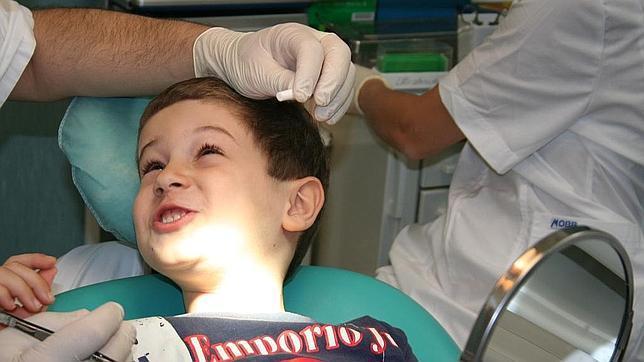 Los niños deben estar familiarizados con el profesional en salud bucodental