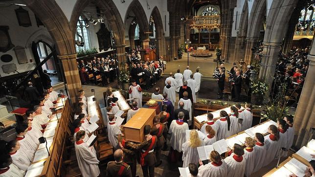 Ricardo III recibe sepultura en la catedral de Leicester 500 años después de su muerte