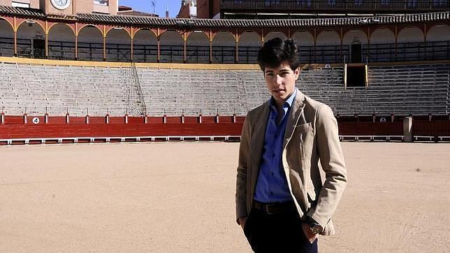 El novillero Álvaro Lorenzo en la plaza de toros de Toledo