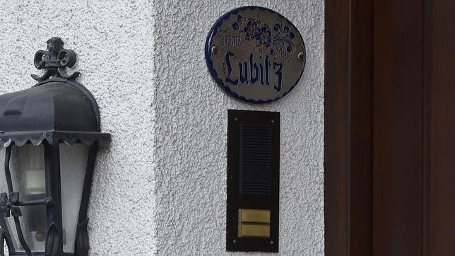 Placa en la entrada de la casa de Lubitz en Montabaur