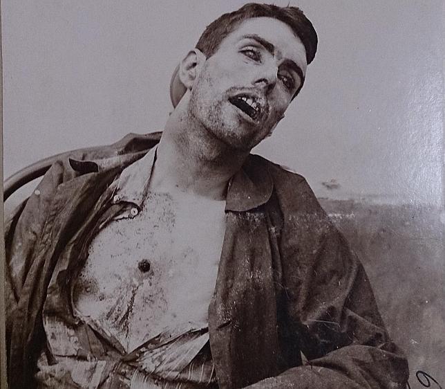 Mateo Morral, con el disparo en el pecho que no pudo hacerse él mismo. No es a quemarropa