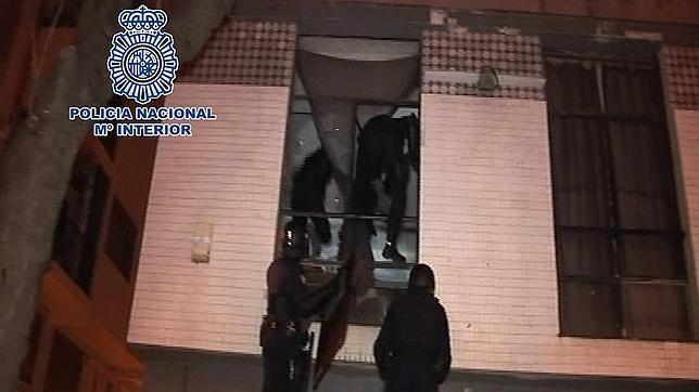 Los 15 anarquistas detenidos prepararon el atentado de La Almudena y el del Pilar