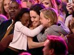 Jolie reaparece tras su extirpaci�n de ovarios