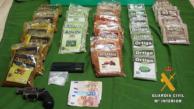 Dos detenidos en Valmojado por tráfico de droga procedente de Perú