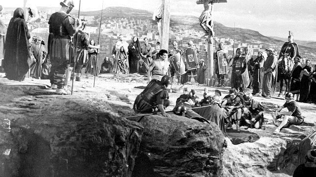 Una escena de la película «La túnica sagrada»