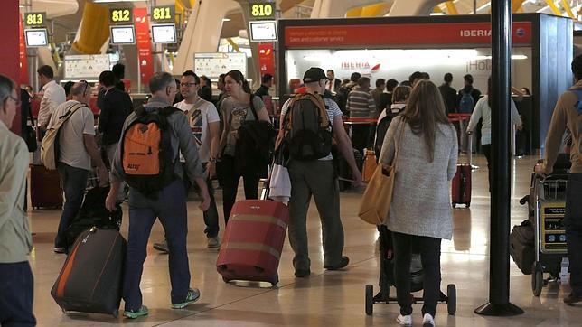 Interior encarga un megacerebro capaz de localizar terroristas entre los pasajeros