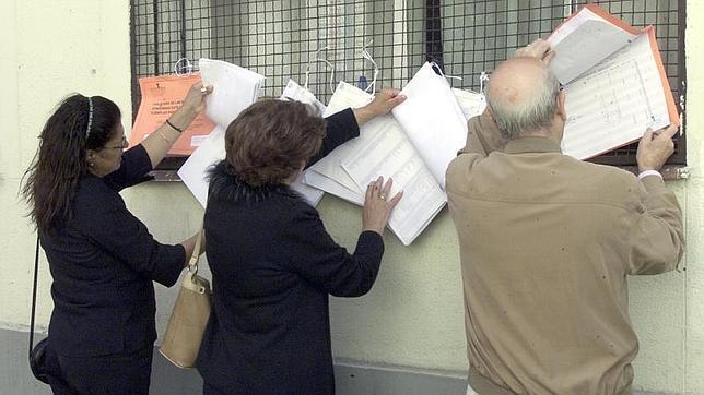 Los madrile os ya pueden consultar las listas del censo for Oficina del censo electoral madrid
