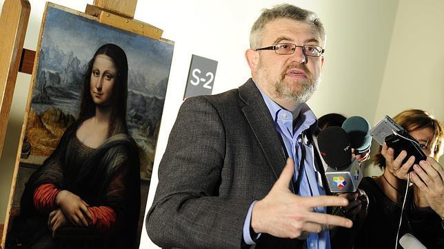 Miguel Falomir, junto a la copia de la «Gioconda» que atesora el Prado en 2012
