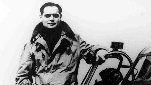 El piloto británico sin piernas que causaba pavor a los cazas nazis