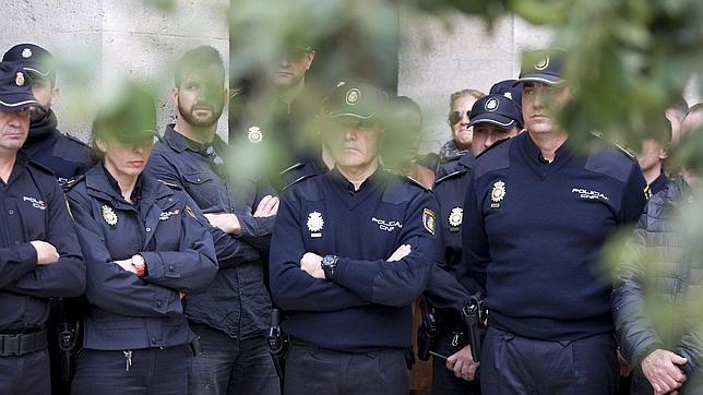Miembros del Cuerpo Nacional de Policía
