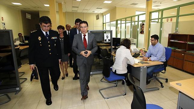 La oficina de extranjer a de alicante atiende a for Oficina extranjeria toledo