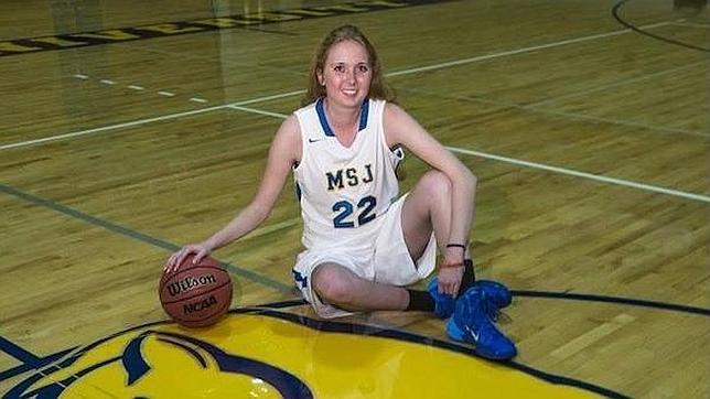 Fallece Lauren Hill, la adolescente cuyo último deseo fue jugar al baloncesto