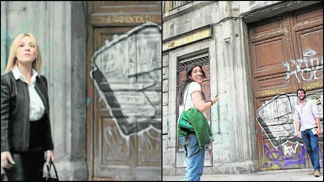 Sobre estas líneas, a la izquierda, la actriz Cayetana Guillén Cuervo junto a la puerta de entrada al ministerio secreto. A la derecha, una pareja inmortaliza el escenario
