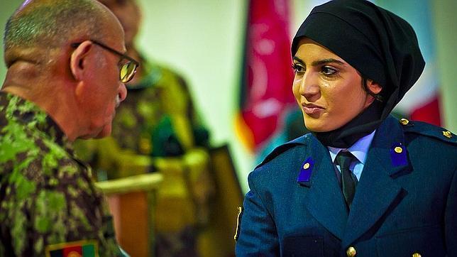 Niloofar Rahmani, la primera piloto afgana tras la caída de los talibanes