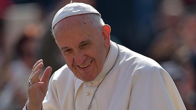 El Papa advierte de que al eliminar las diferencias entre sexos «corremos peligro de dar un paso atrás»