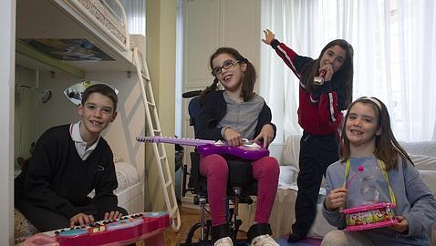 «Mariana entró andando en el hospital con 13 meses y salió con parálisis»