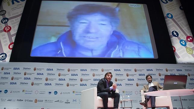 Momento de la charla entre Jordi Roca y Carlos Soria