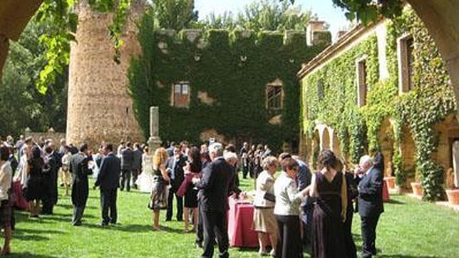 Celebración en el jardín del Casa Fuerte