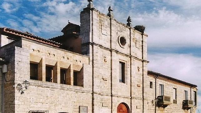 Fachada exterior de la abadía